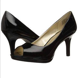 B*Flexible by Bandolino Black Patent open toe pump